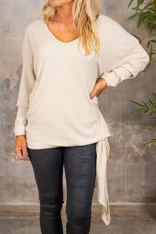 Angie strikket genser - knute - Beige