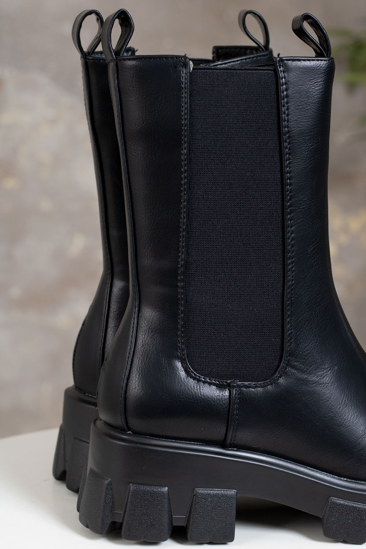 Boots-128-3---Svart-detalj