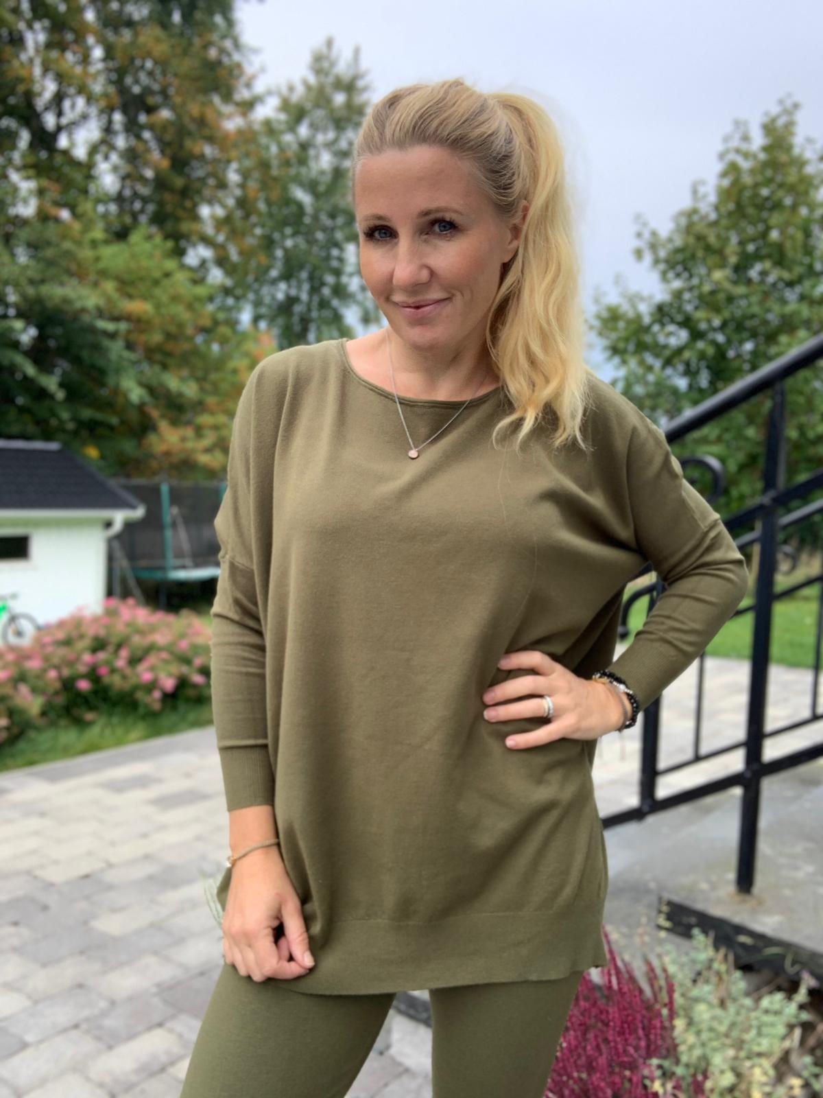Brittany-khaki-mobil-ute-4