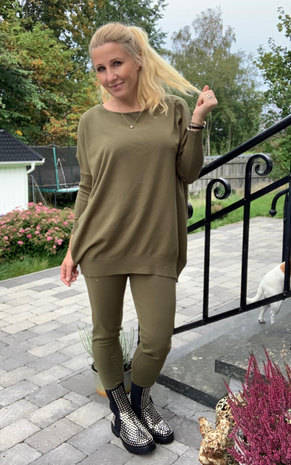 Brittany-khaki-mobil-ute