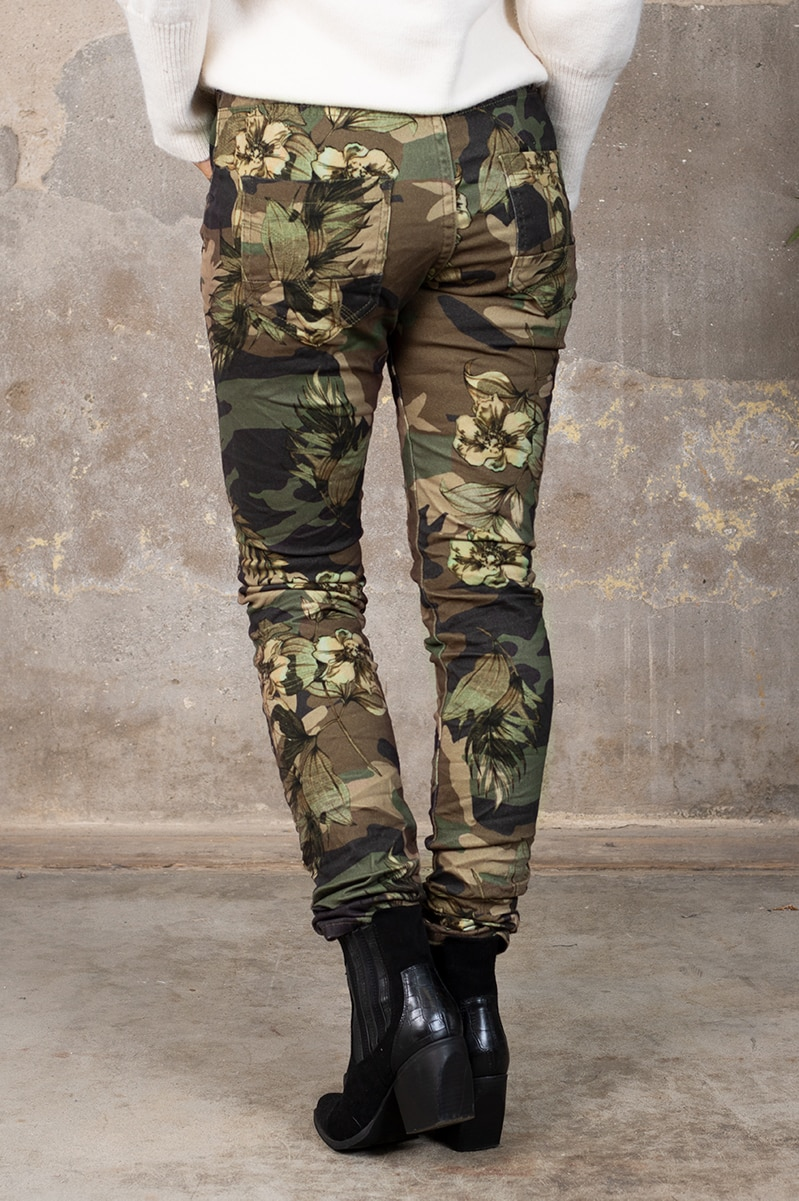 Byxor 90089-F332 - Camouflage Blommor Ny bak