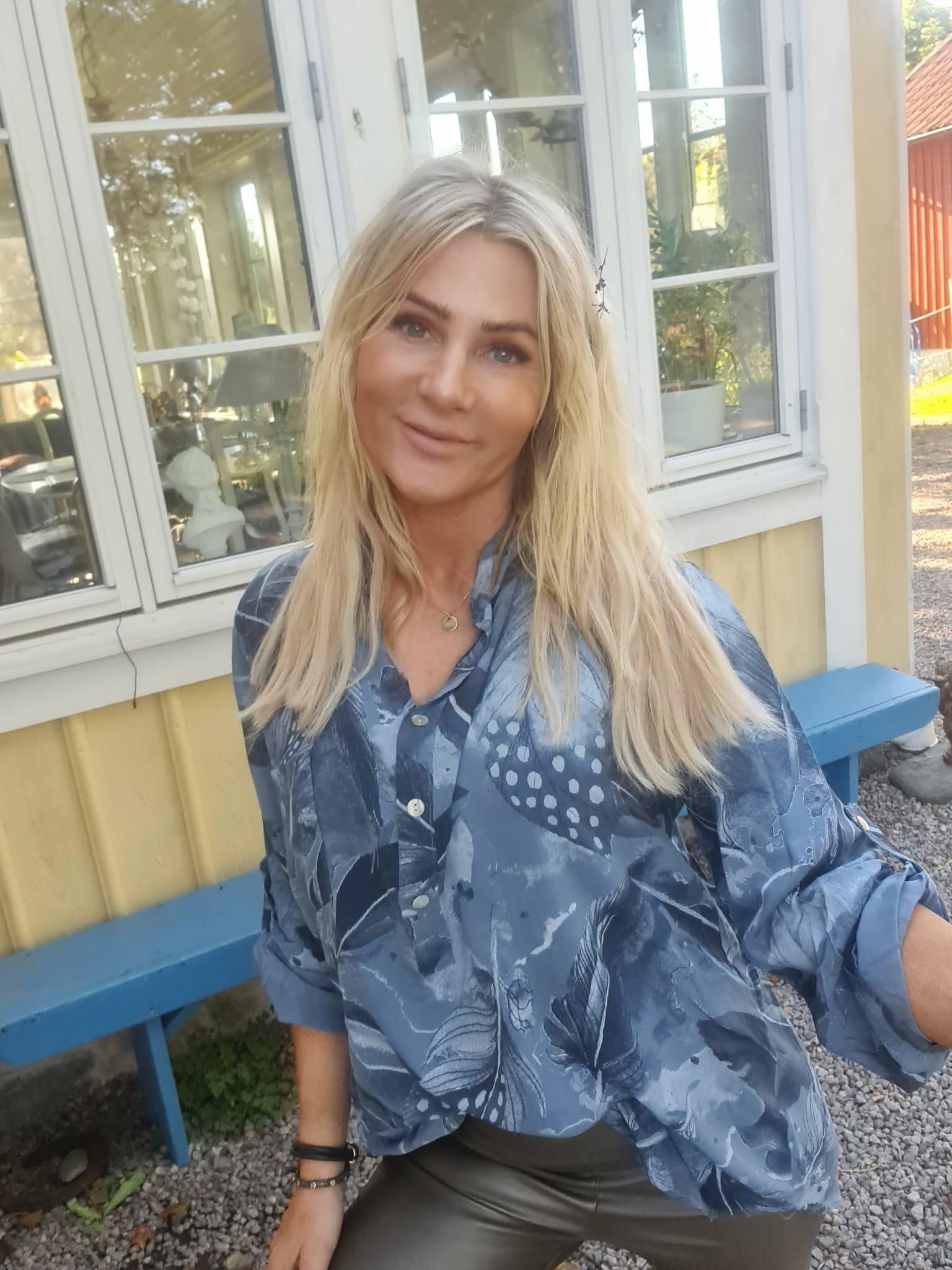 Cora Bluse - Fjærmønster - Blå