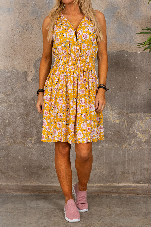 Embla kort kjole - Roser - Gul
