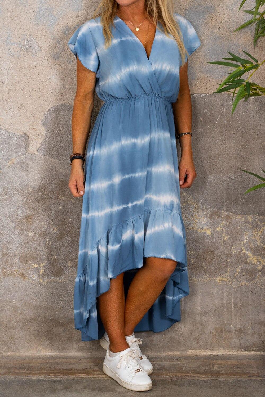 Hanna - Kjole med volanger - Batik - Blå