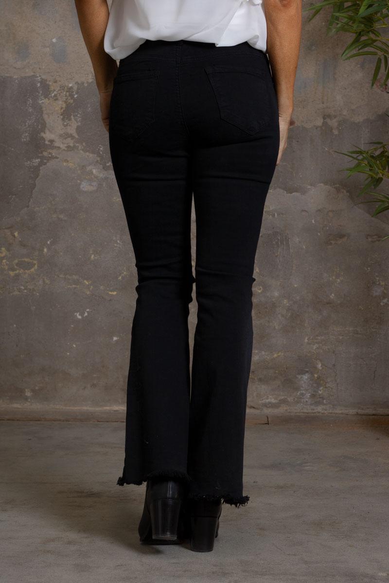 Jeans-FL2020---Utsvangda-ben-svart-bak