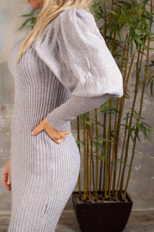 Jenna Strikket kjole - Puffermer - Grå