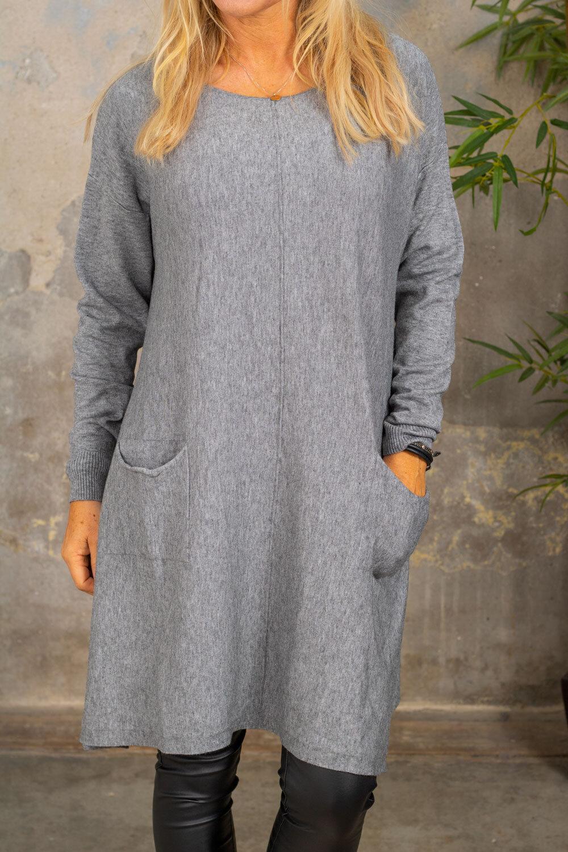 Klara Strikket kjole - Lommer - Grå