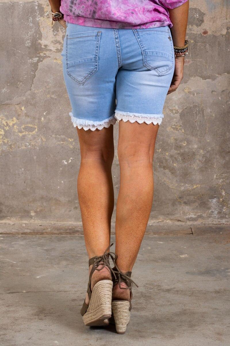 Langa-Shorts-med-Spets-denim-bak-2