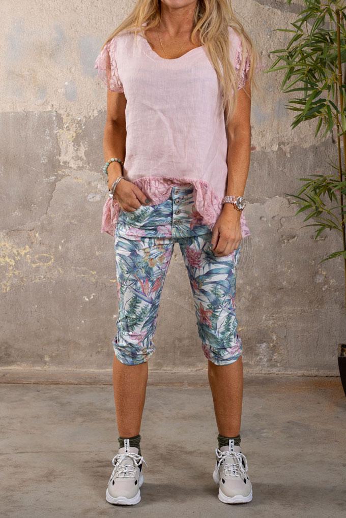 Langa-shorts-1268-F339---Blommor-o-Blad---Cream-rosa-hel