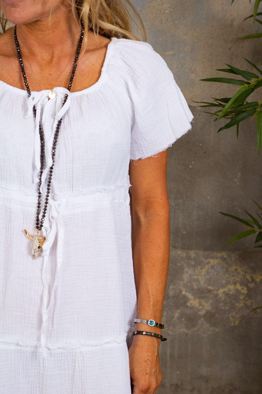 Moa kjole med rå kanter - Hvit