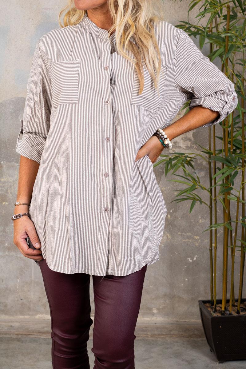 Nova-Langre-skjorta---Randig---taupe-fram