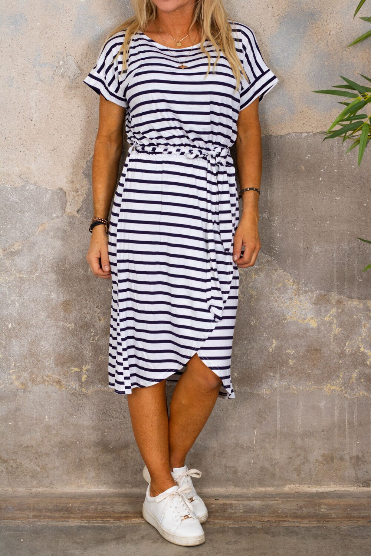 Siv myk kjole - Stripet - Hvit