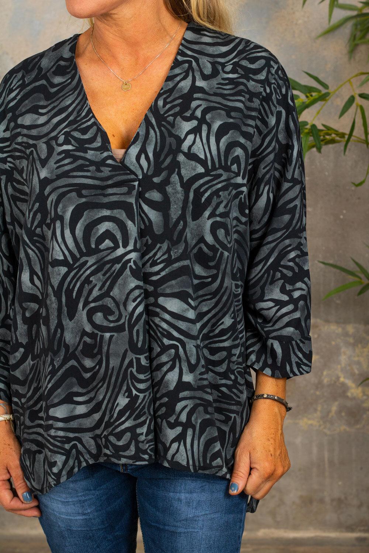 Tammy tunika med V -hals - Mønstret - Grå