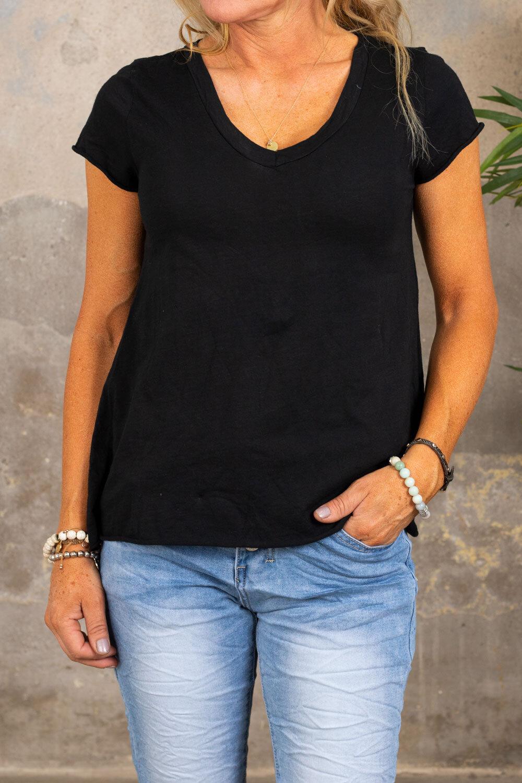 T-skjorte med V-hals - Svart
