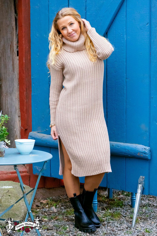 Amelia - Ribstrikket kjole - Sand
