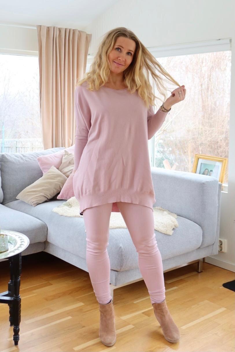 Brittany - Strikket sett - Genser og bukser - Gammelrosa