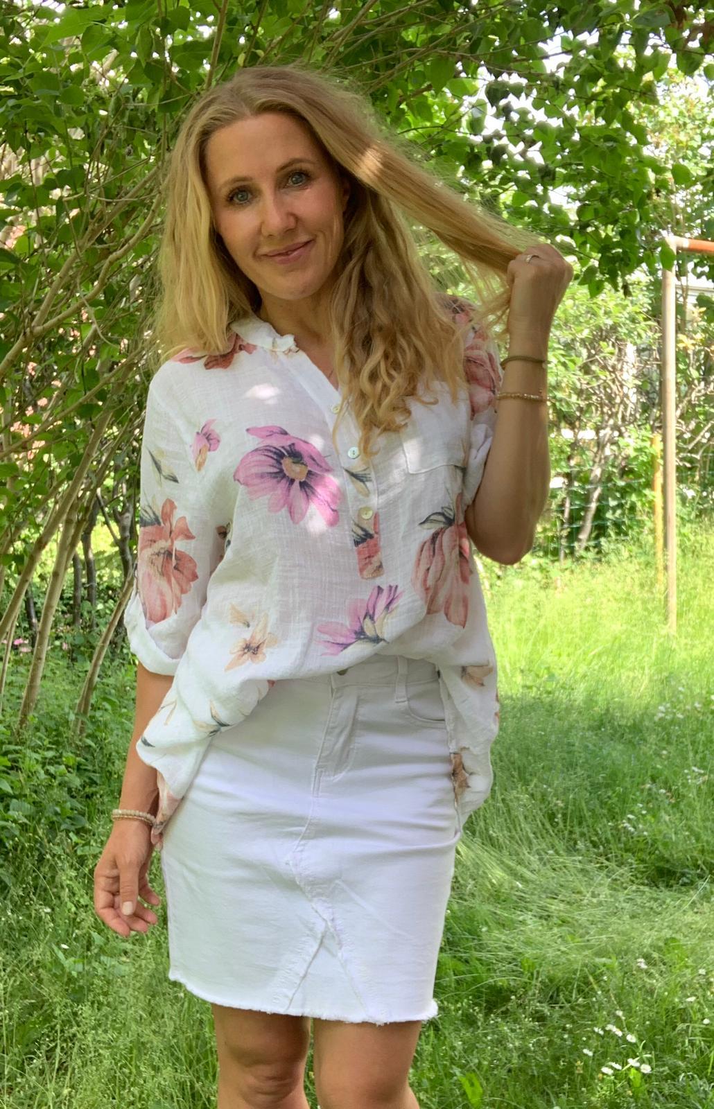 cora-blommor-vit-ute2