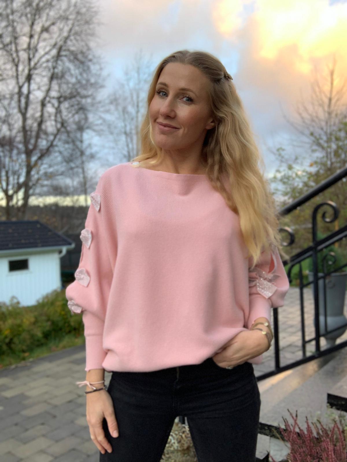 isolde-blingrosetter-rosa-mobil