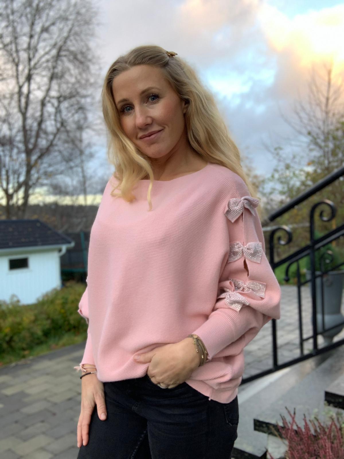 isolde-blingrosetter-rosa-mobil2