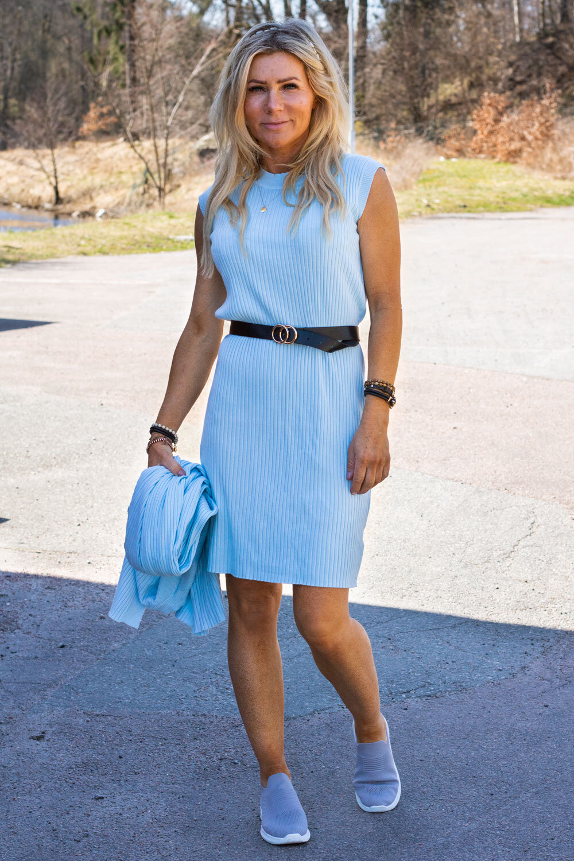 Kjolesett med belte - Sky blue