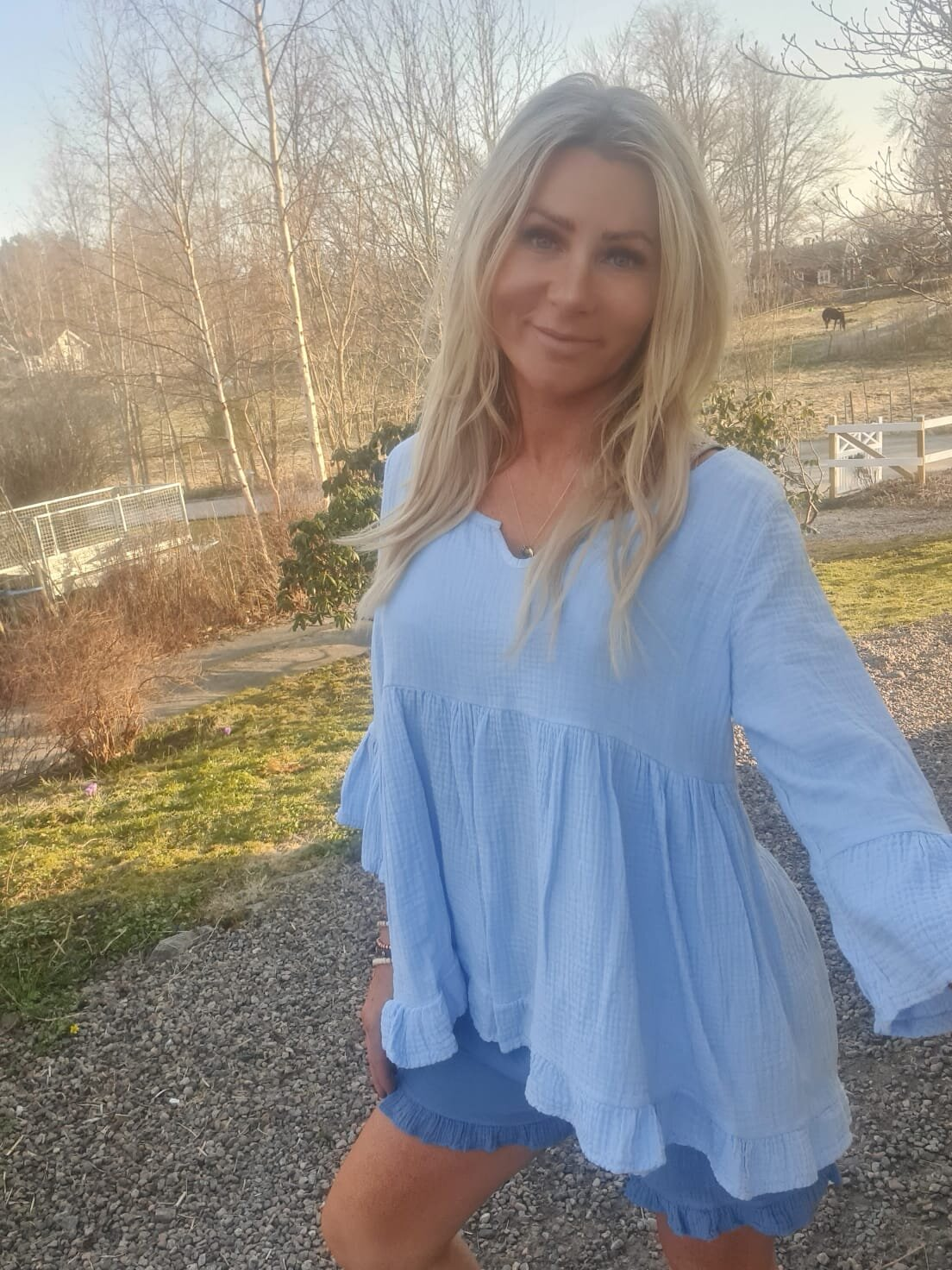 Maggie tunika - Ruffle - Himmelblå