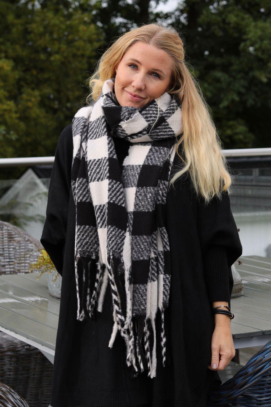 Rutete sjal - Svart/Krem