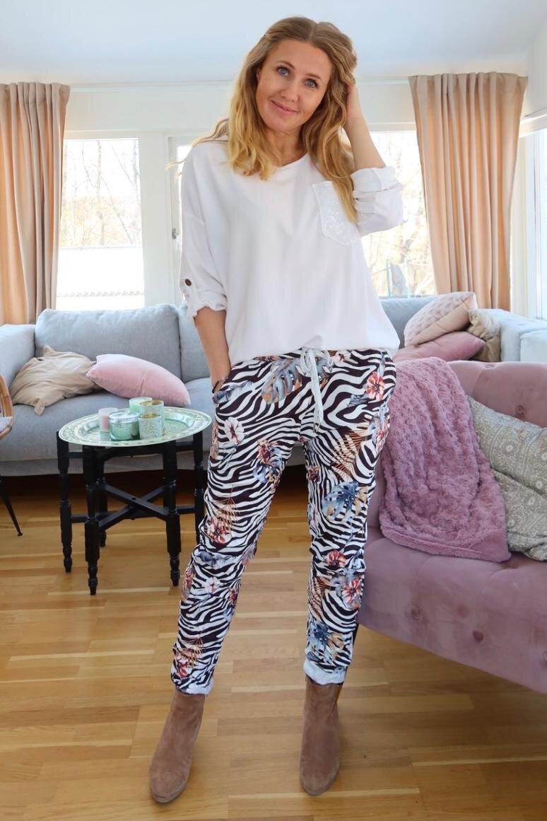 Stretch Pants - Zebra & Flowers - Svart