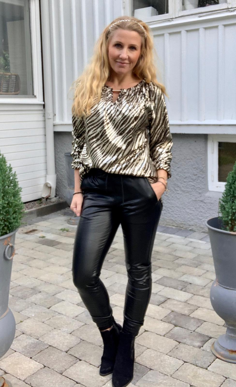 taylor-tunika-zebra-guld-mobil