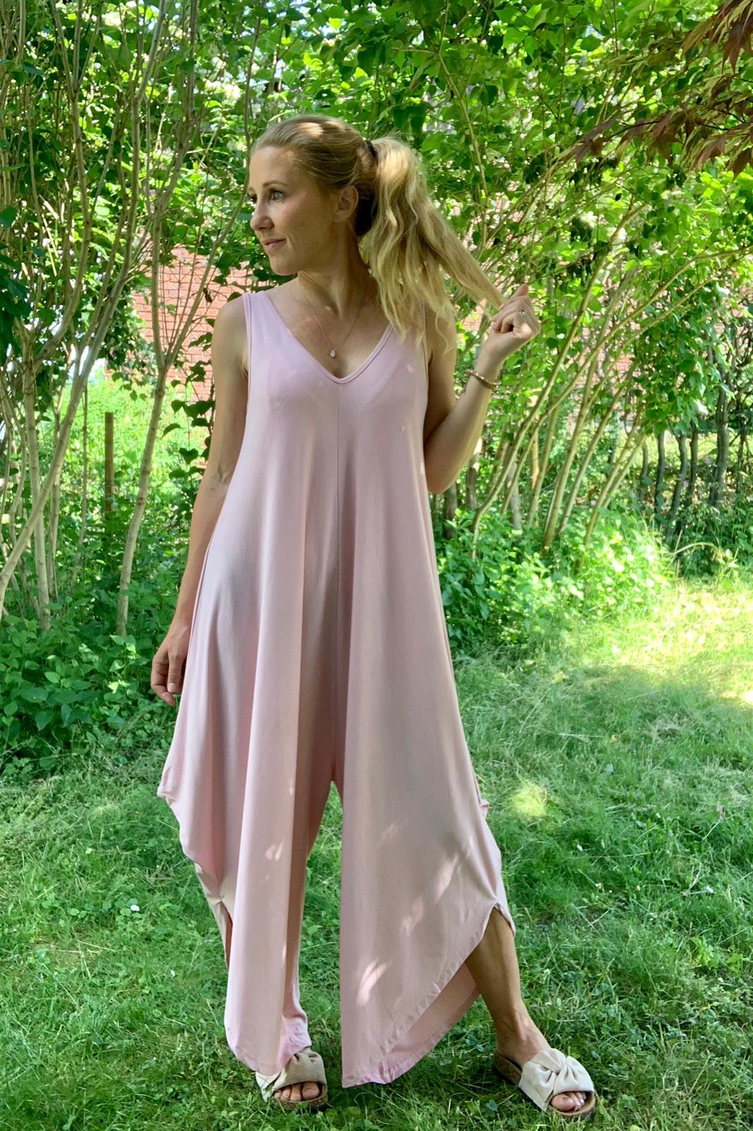 theodora-jumpsuit-rosa-mobil-ute